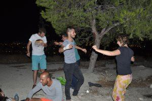 turquia_2015_voluntarios-bailando-noche