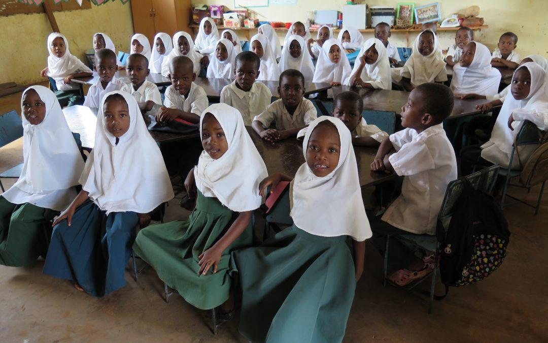 Voluntariado en Tanzania:  Arantza nos cuenta clases de español en el pueblo vecino de Kisakasaka en Zanzibar