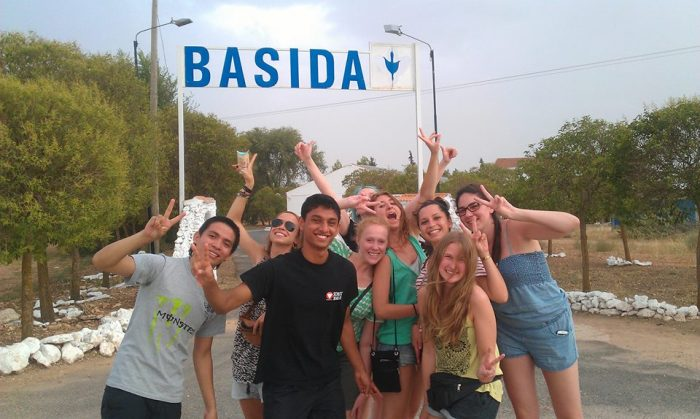 """Campo de voluntariado en Basida, España: """"Las mejores historias se escriben en renglones torcidos"""""""
